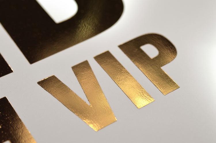 VIP im Prägedruck